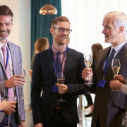 8 Ideas for Effective Networking at Hybrid Events